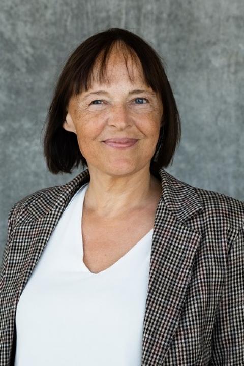 Ellen Bernadette Noer