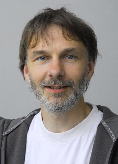 Niels Holst