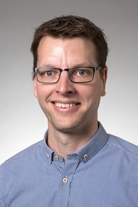 Jesper Juel Holst