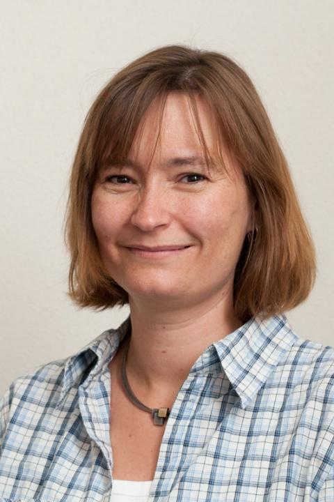 Helle Jakobsen
